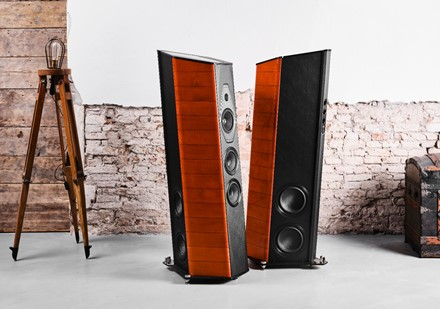 Sonus faber debuts limited edition Il Cremonese ex3me