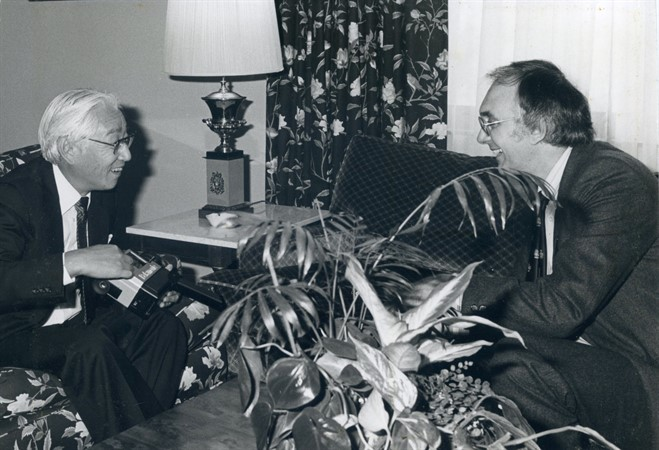01_Barry  Fox With The Late Akio Morita , Founder Of Sony